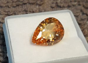 10 carat champagne Sapphire for Sale in Reidsville, NC