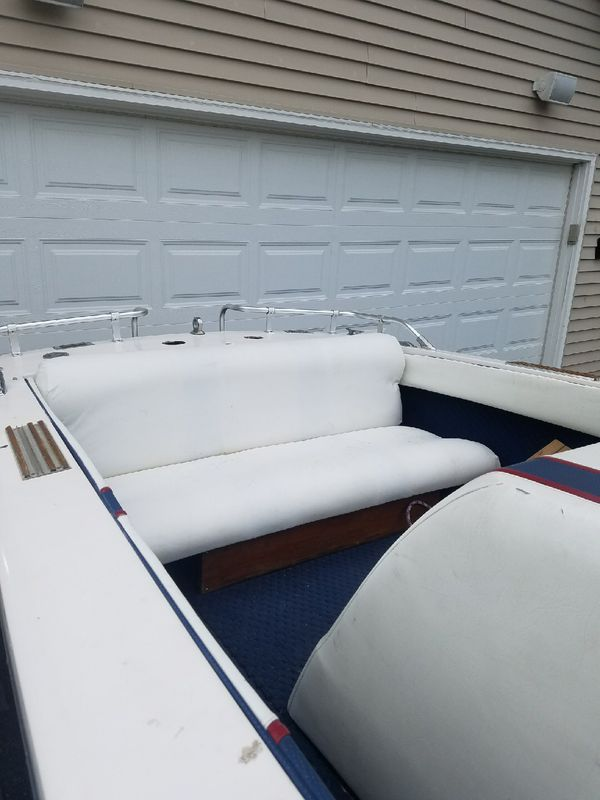 1977 correct craft ski boat