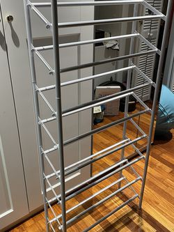 Expandable and Stackable Shoe Rack for Sale in New York,  NY