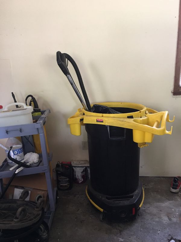 Viper 28in floor scrubber less than 100 hours used