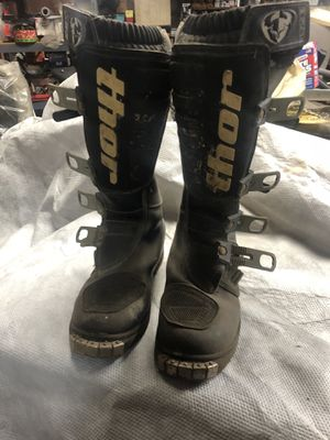 Free Dirt bike riding boots 7size for Sale in Gibsonia, PA