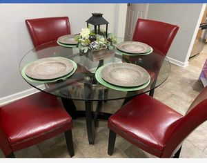Round Breakfast Table & Chairs for Sale in Woodland Park, NJ
