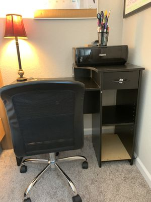Computer Desk & Chair for Sale in Fort Myers, FL