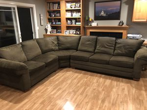 Bassett 3 piece Sectional for Sale in San Ramon, CA