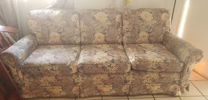 FREE SOFA AND LOVE SEAT for Sale in Lake Wales, FL
