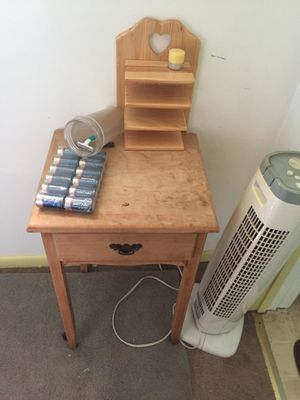 Small shelf with drawer for Sale in Sewickley, PA