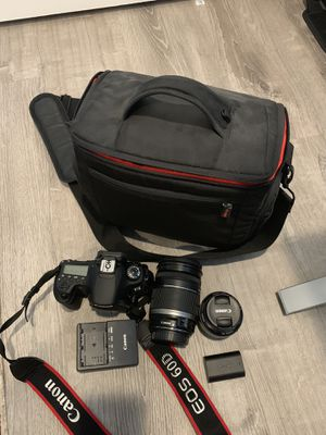 Canon EOS 60D Bundle - 2 lenses, battery, charger and Bag for Sale in Kirkland, WA