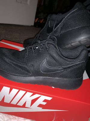 Nike Running Shoes (black) for Sale in Ashburn, VA
