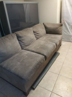 GREY SECTIONAL COUCH for Sale in Powder Springs, GA