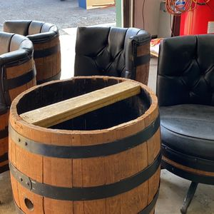 Whiskey Barrel Pedestal And Cocktail Chairs for Sale in Jamesburg, NJ
