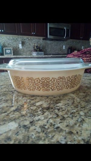 Vintage Pyrex Dish with Glass Lid for Sale in Fresno, CA
