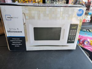 New 0.7 cu ft 700 watts for Sale in Riverside, CA