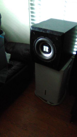 Speaker and humidifier for Sale in Fort Worth, TX