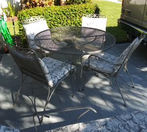 Vintage Iron 6 pc. Patio Set for Sale in Lake Worth, FL