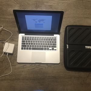 2012 APPLE MACBOOK PRO 500GB 4G RAM I5 INTEL GOOD CONDITION CHARGER & CASE INCLUDED for Sale in Tucker, GA