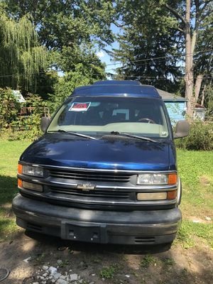 2000 Chevy express conversion 1500 for Sale in Detroit, MI