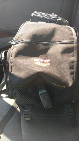 Tamrac Adventure 8 model 5 to for 8 small backpack for cameras for Sale in Columbus, OH