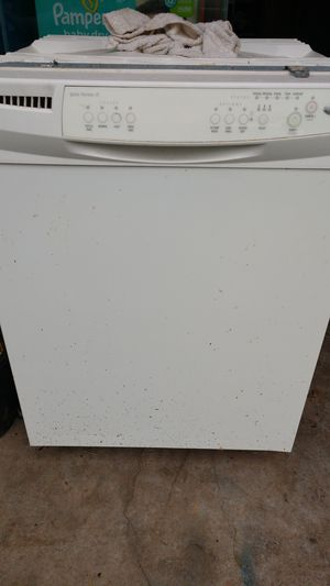Whirlpool dishwasher for parts for Sale in Paducah, KY