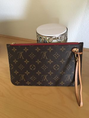 Guarantee Authentic Louis Vuitton Neverfull MM Wristlet for Sale in Riverside, CA