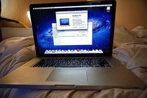 """2011 MacBook Pro 15"""" inch for Sale in Vista, CA"""