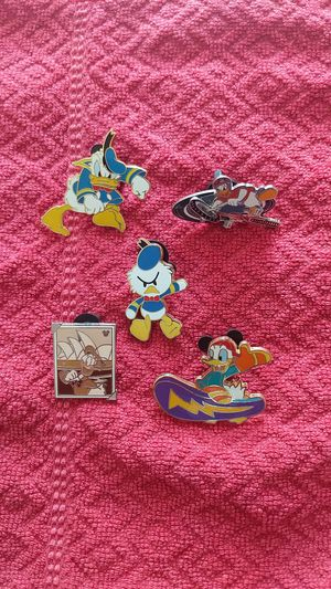 Disney pin lot donald duck five pins for Sale in Oviedo, FL
