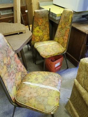 Vintage chairs for Sale in Tacoma, WA