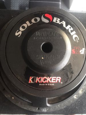Rare kicker competition series subwoofer with box enclosure for Sale in Fullerton, CA