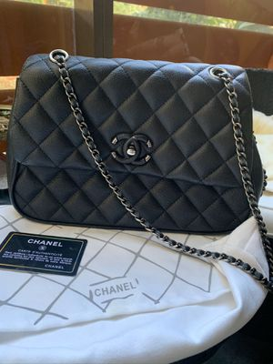 Authentic Chanel purse for Sale in Los Angeles, CA