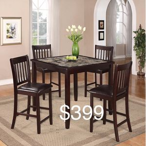 5 piece dining set for Sale in Las Vegas, NV