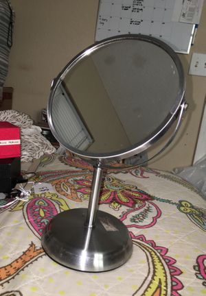 Vanity/makeup mirror for Sale in Selma, CA