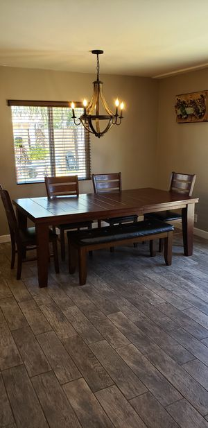 Wood Dinning Table for Sale in San Fernando, CA