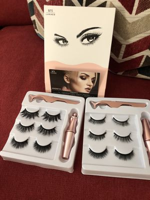 Magnetic eyelashes 3 pairs for Sale in Miami, FL