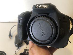 Canon Rebel T3i, 600D Body & lense - (BROKEN, no power) for Sale in Edgewater, NJ