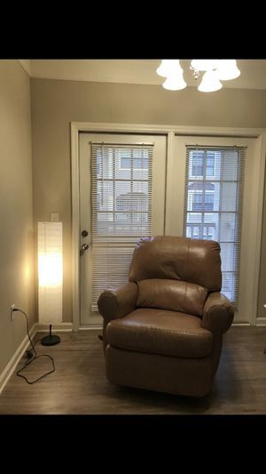 Leather recliner for Sale in Murfreesboro, TN