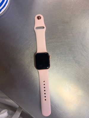 Series 4 Apple Watch for Sale in Woodbury, NJ
