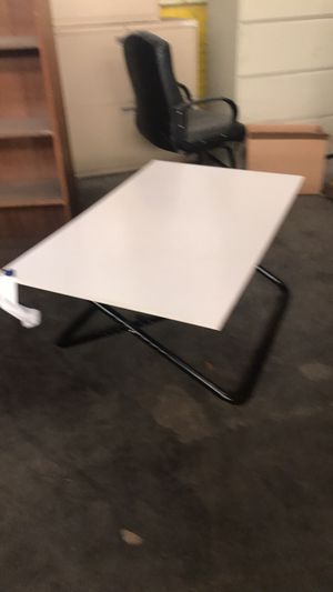 Student desk / coffee table adjustable height for Sale in Sauget, IL