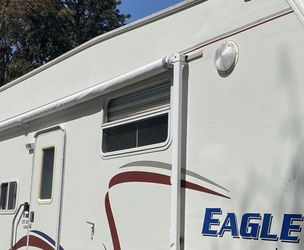 2005 jayco eagle for Sale in Mount Sinai,  NY