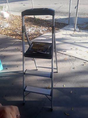 3 step ladder for Sale in Moreno Valley, CA