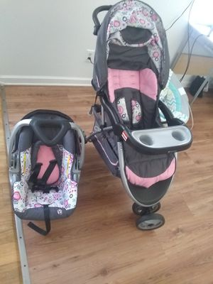 Baby trend car seat and stroller set for Sale in Hephzibah, GA