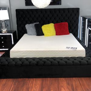 Queen Black Tufted Bliss Storage Bed for Sale in Newburgh Heights, OH