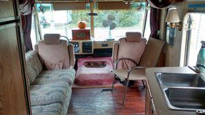 Neatly used 1988 Winnebago Superchief Camper for Sale in Blacklick, OH