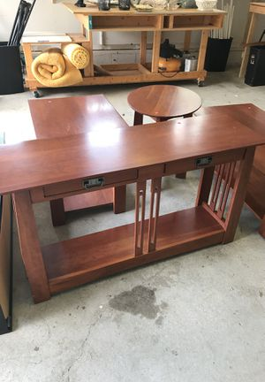 Cherry Entryway Console Table for Sale in Nashville, TN