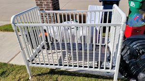 Free baby crib, used, needs a little paint, otherwise in good condition for Sale in Denton, TX