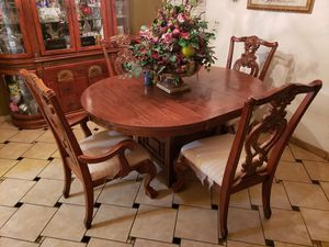 Dining table good condition. for Sale in Lathrop, CA