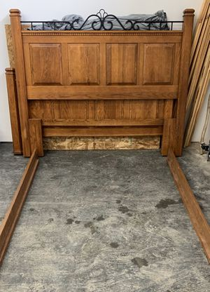 Solid oak queen bed frame for Sale in Battle Ground, WA