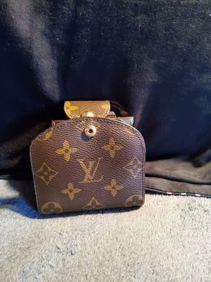Vintage Authentic lv coin clutch for Sale in Montclair, NJ