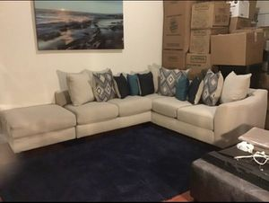 Ivory sectional couches for Sale in Pompano Beach, FL