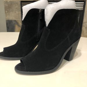 """Jessica Simpson Women's Black Suede Ankle Booties Size 8.5 M Chalotte 3"""" Heel for Sale in Salt Lake City, UT"""