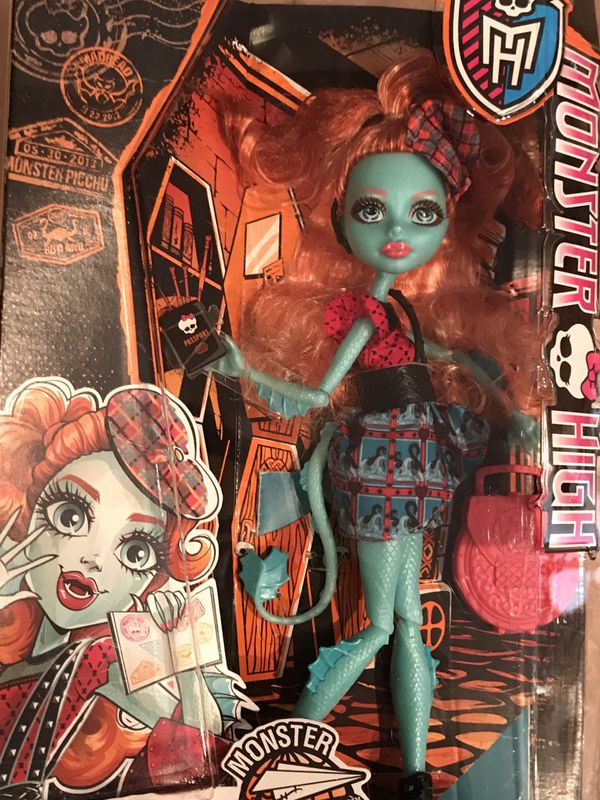 Monster High Doll Lorna McNessie