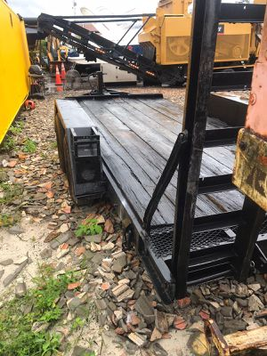 2005 trailer (holds up to 13,000 lbs) for Sale in Miami, FL